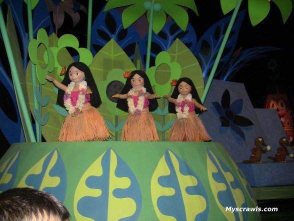Dancing dolls at its a small world, Magic Kindom